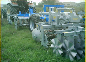 Harrows with single or coupled disks