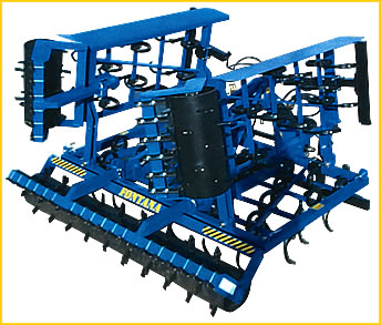 Towed or carried vibrocultivators